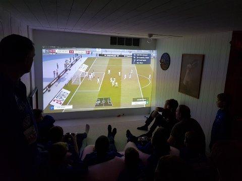 Som en del avoppkjøringen til fotballturen var gutta nylig samlet for å se Hertha Berlin og da ble det også tid til en runde med FIFA  på Playstation. Da ble det spilt Hertha Berlin mot Werder Bremen, som også er den kampen gutta skal se i Tyskland.