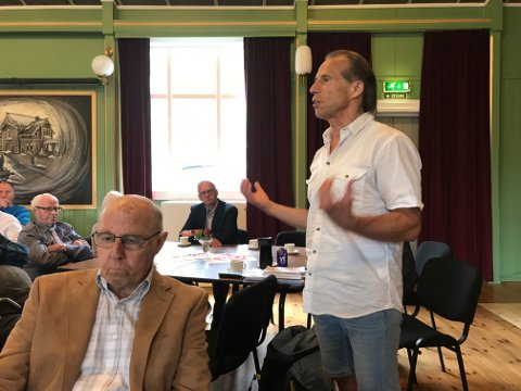 Foredrag: Jan Bøhler under sitt foredrag om god integreringspolitikk i praksis.