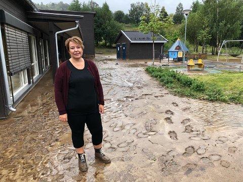 STENGT: I samråd med kommunen har Øverkvern FUS barnehage stengt tirsdag. Her er daglig leder Unni Nordhagen Gjermundsen før avgjørelsen om å stenge ble tatt.