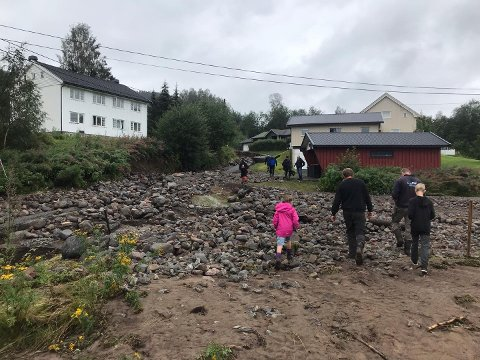 RASFARE: Kommunen skal sammen med geolog vurdere rasfaren i forbindelse med de store vannmengdene.