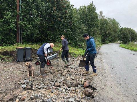 Flomrammet: Flommen i Brumuddal raserte veger og infrastruktur. Nå gis kommunen støtte for kostnadene.