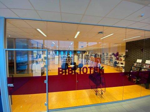 I faresonen: Folkebiblioteket på Brøttum står i fare for å legges ned.