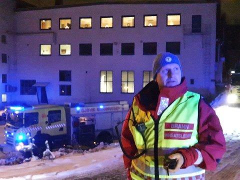 UVISST: Det er ifølge Geir Atle Engen uvistt hvor lenge slokkingsarbeidet vil pågå.