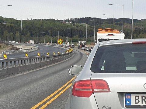 Kø: Bilistene får testet tålmodigheten sin på E6.
