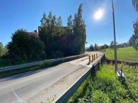 REHABILITERING: Ringsaker kommune vil ruste opp Strand bru i Moelv. Pengene som var satt av til brua, ligger fortsatt inne i budsjettet.