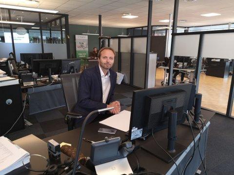 MANGE VIL HA HYTTE: Cato Deglum hos Krogsveen kan melde om et aktivt hyttemarked og han tror interessen for å disponere egen hytte kan ha økt i forbindelse med endrede ferievaner i befolkningen.