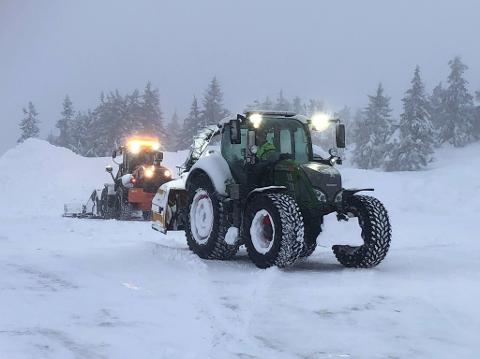 VENTER UVÆR: Brøytemannskapene i fjellet er klare til å møte det kommende været.