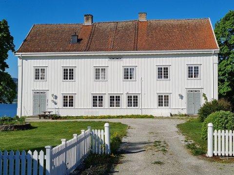 Jubileum: Lørdag feires det 200 årsjubileum i Ringsaker prestegård.