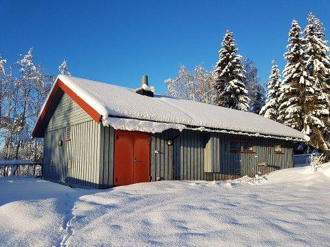 TIL SALGS: Ringsaker kommune selger dette renseanlegget i Åsmarka.