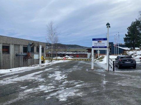 ARBEIDSULYKKE: Det var mandag en person ble skadet i en arbeidsulykke i Moelv.