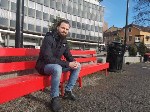 NY LEDER: Øyvind Melgalvis er ny leder for Rødt Hamar og han tror de gode meningsmålingene for partiet er en god indikasjon på at den oppvoksende generasjonen deler Rødts syn på blant annet klima og miljø.