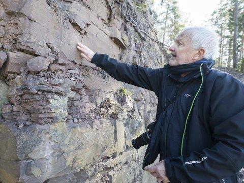 Geolog Bjørn Tore Larsen har undersøkt fjellmassene på Sørbråten.