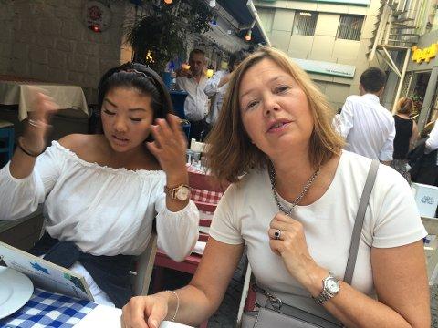 Irene Mårdalen med datteren Tuva. Familien fikk terrorangrepet i Istanbul tett på.