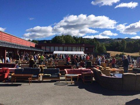 Loppemarked på Vang skole, søndag. Foto: Ole Martin Solberg