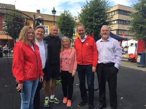 Anne Sandum (Ap), Jørn-Inge Andreassen Frøshaug (Ap), Frode Lafton (HBK), Kirsten Orebråten (Ap), Trond Giske (Ap) og Roar Bogerud (Buskerud idrettskrets) er alle enige om at en times fysisk aktivitet hver dag, vil være bra for skolebarna.