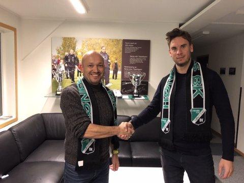 PÅ PLASS: HBKs styremedlem og påtroppende daglig leder Runar Vinjevoll ønsker den nye A-lagstreneren Luke Torjussen velkommen til klubben.