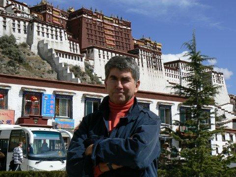 Reisevant: Her er Arild Molstad på besøk i Tibet.