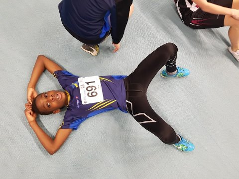 Joseph-Justus Jonas Monteiro debuterte, og slapper her av etter 600 meter.
