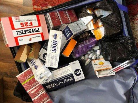 DOP I KOFFERTEN: Journalist Lasse Olsrud Evensen trodde han hadde klær i kofferten da han gikk gjennom tollen på Gardermoen. Først da han kom hjem, oppdaget han at kofferten var full av dop.
