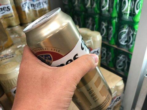 DYR ØL: Halvliteren øl til 26,90 kom til slutt på 2.800 kroner for mannen som stjal den, etter at politiet tok saken til retten.