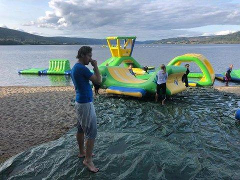 Badeparken på Jevnaker pakkes ned for sesongen.