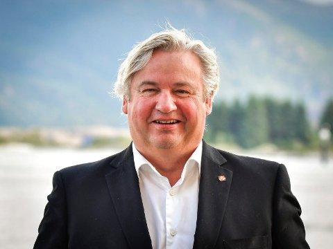 FREMKOMMELIGHET: Kjell Inge Davik, regionvegsjef i region sør, sier det viktigste er at bilistene kommer seg fram etter nyttår, og det tror han de vil gjøre.