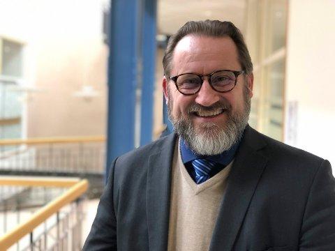 Overrasket: Finn Egil Holm er direktør for administrasjon og samfunnskontakt i helseforetaket Vestre Viken. Han undrer seg over brevet fra Pasient- og brukerombudet i Buskerud i saken om sommerstengning av BUP.