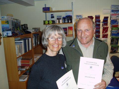 HEDRET: Ingrid M. Nordgård og Erik Monserud er utnevnt til æresmedlemmer av Ringerikes Turistforening.