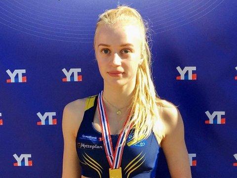 UNG LEDER: 18 år gamle Vilde Kjos skal lede friidrettsskolen for andre år på rad. Hun håper på godt over 100 påmeldinger.