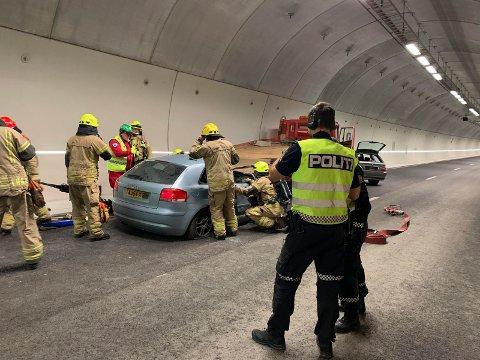 NØDETATENE: Øvelsen var et samarbeid mellom nødetater, Statens vegvesen og Vegtrafikksentralen.