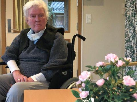 KREVENDE: – Det er behov for hvert eneste menneske som jobber i pleien, helst bør det være flere, sier Kjersti Surland-Hansen (77).