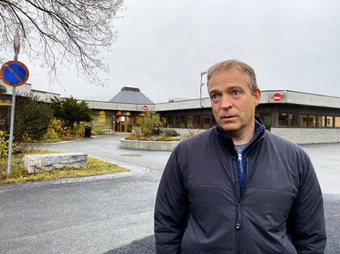 TENKER PÅ FAMILIEN: Morten Lafton, ordfører i Jevnaker, tenker på avdødes familie.