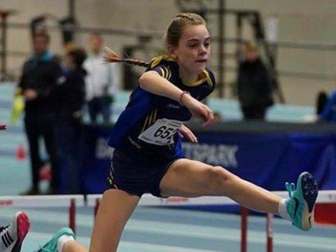 TYRVINGLEKENE: Anna Birgitte Melbye på 60-meter hekk.