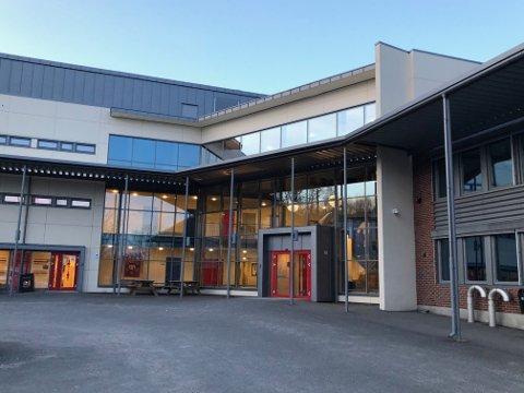 DØDSFALL: En elev ved Kongerød ungdomsskole døde av influensa torsdag.