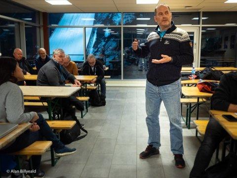 TOPPMØTE: Skiflygingspresident Leif Arne Berget informerte resten av organisasjonskomiteen og sine toppledere om avgjørelsen som ble tatt tirsdag kveld. Nå varsler han at mange vil lide økonomisk tap etter rennet.