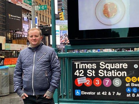 KORONA-FAST? Ringerikes Blad-journalist Tommy Nilsen er på ferie i New York, og vet foreløpig ikke når han kommer seg hjem. Lørdag ser det ut som om hjemreisen kan gå som planlagt torsdag.