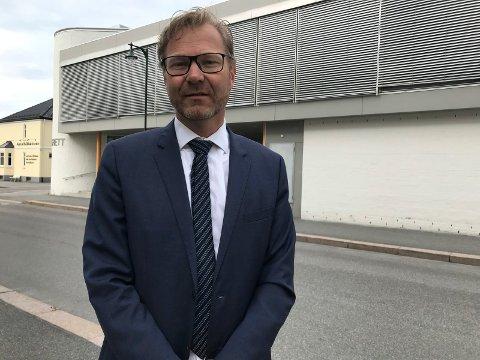HAR KLAGET: Bistandsadvokat Per Johan Zimmer har klaget på politiets henleggelse av anmeldelsen av Ringerike fengsel.
