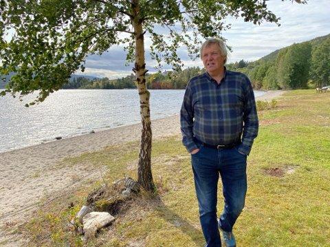 RYDDER: Henning Pettersen liker at ting ser ordentlig ut. Han har mange timer med rydding på Nordbytangen i Jevnaker.