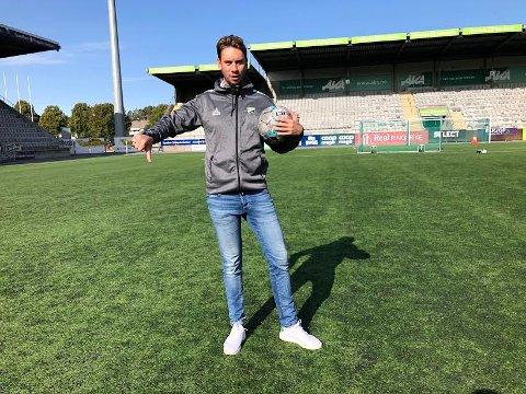 AVLYST: HBK-trener Luke Torjussen måtte fredag konstatere at fotballsesongen 2020 er avlyst i 3. divisjon.