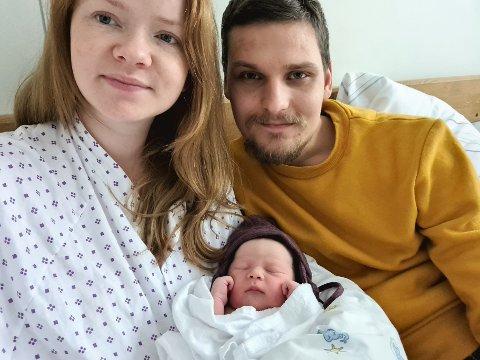NYTTÅRSBARN: Tonje Solheim og Steffen Myhre ble foreldre til lille Annie første nyttårsdag.