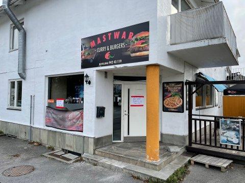 STENGT: Driver av gatekjøkkenet Mastwar opplyser at det skal skje en totalrenovering av lokalene.