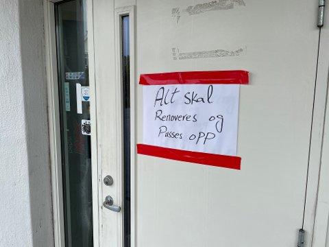 STENGT DØR: Gatekjøkken i Hønefoss er stengt.