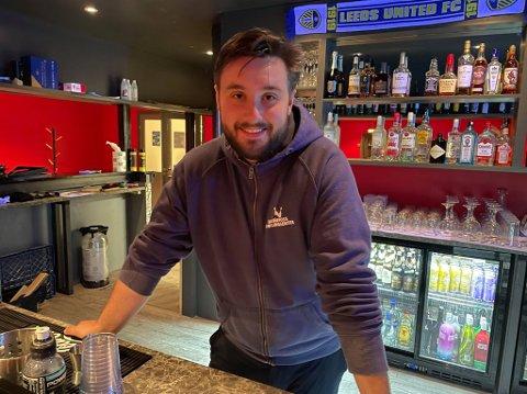 NY PUB: Øyvin Kulseng ved Hønefoss Bowlingsenter er glad for at alt endelig er åpent.