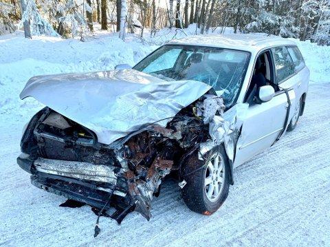 TIL ULLEVÅL: Føreren av denne bilen ble fløyet til Ullevål sykehus fredag.