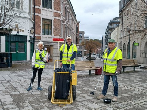 Miljøpatruljen: Anne Marie Henriksen, Erik Lunde og Olav Georg Johannesen arbeider i Miljøpatruljen, og sørger for å gjøre byen vår triveligere.
