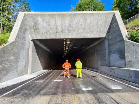 ÅPNING: Endelig åpner Hamangtunnelen for trafikk igjen.