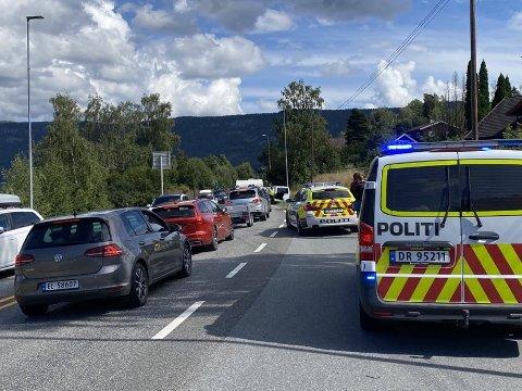 AV VEIEN: En mannlig fører er mistenkt for kjøring i alkoholpåvirket tilstand etter utforkjøring på E16 ved Vik, retning mot Oslo.