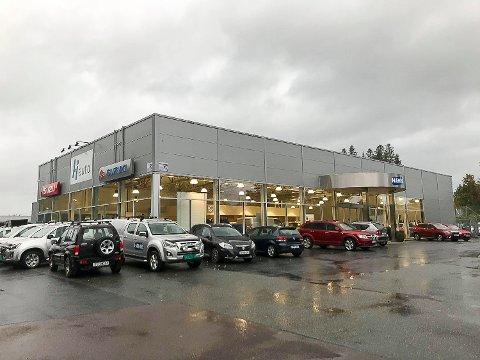 STENGER DØRENE: Innen 1. juli neste år skal HI Auto på Tangen i Vikersund være lagt ned. 21 ansatte mister jobben.