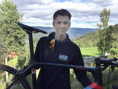 Talent: Lars Gardsteig Fæhn har mange støttespillere i Tinn. Uten deres bidrag tror han det ville ha vært umulig å satse på sykkel.
