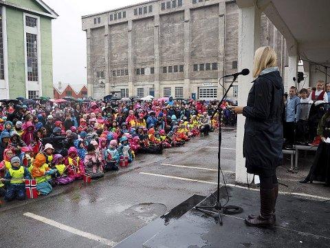 Notodden: Kronprinsesse Mette Marit taler på Notodden torsdag formiddag. (foto : Slottet)